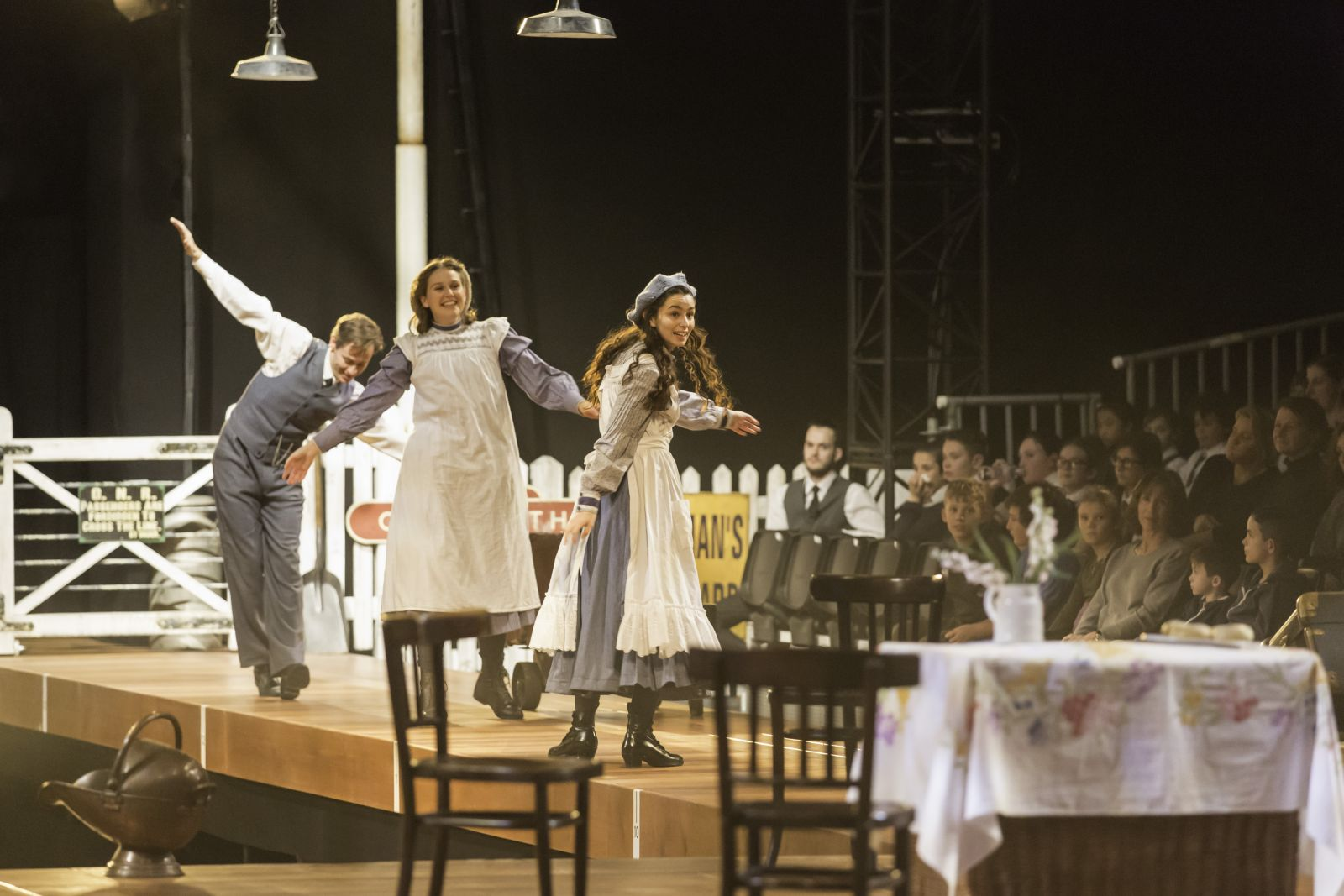 Theatre Review: The Railway Children – Kings Cross Theatre