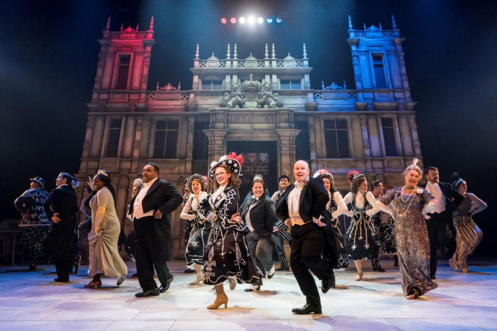 THEATRE REVIEW: Me and My Girl – Chichester Festival Theatre
