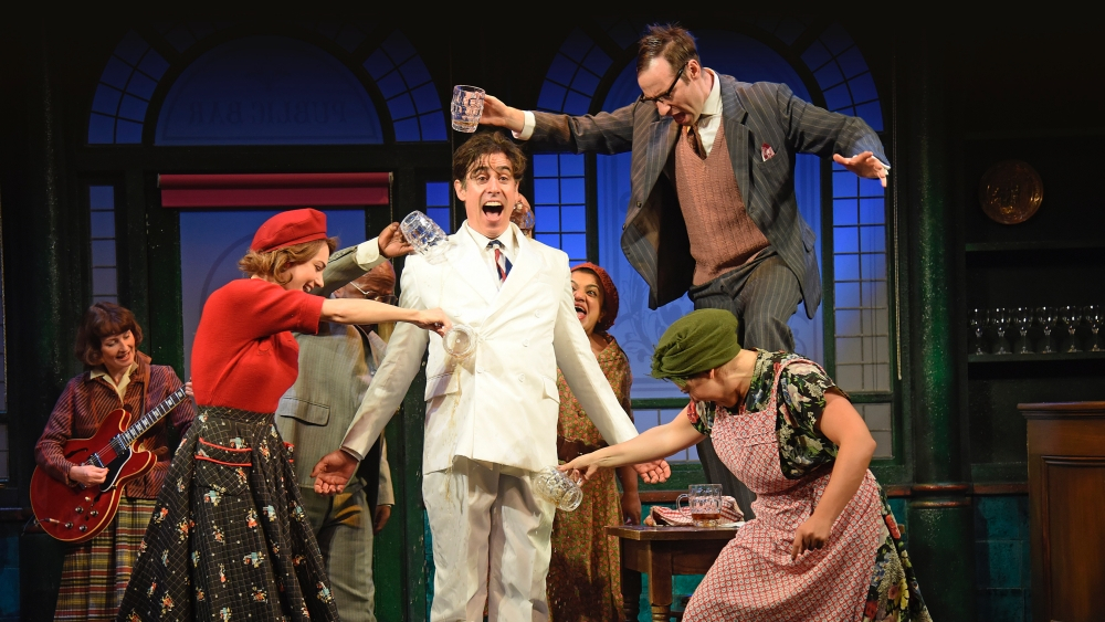 Theatre Review: The Man in the White Suit – Wyndhams Theatre